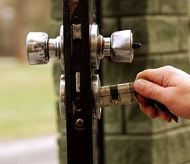 Town Center Locksmith Shop Everett, MA 617-580-9101